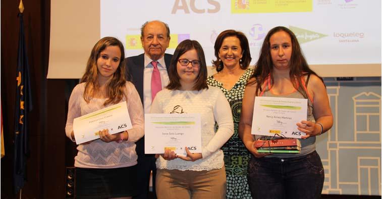 Foto de algunas galardonadas del certamen literario de Down Madrid