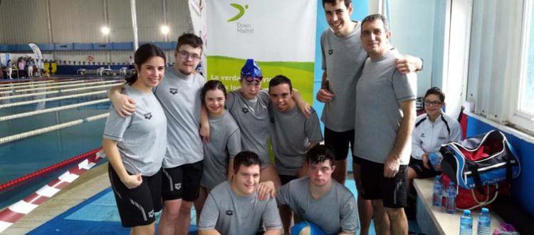 Equipo de natación de Down Madrid. 5 nadadores y 2 nadadoras