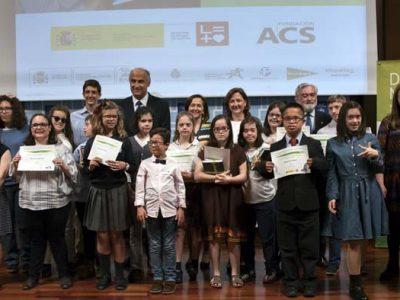 Grupo de premiados del certamen literario de Down Madrid
