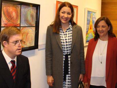 Artista Down, Consejera de políticas sociales y presidenta de Down Madrid